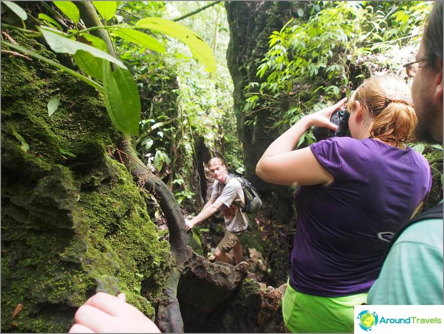 Kiivetämme Sumatran luolaan