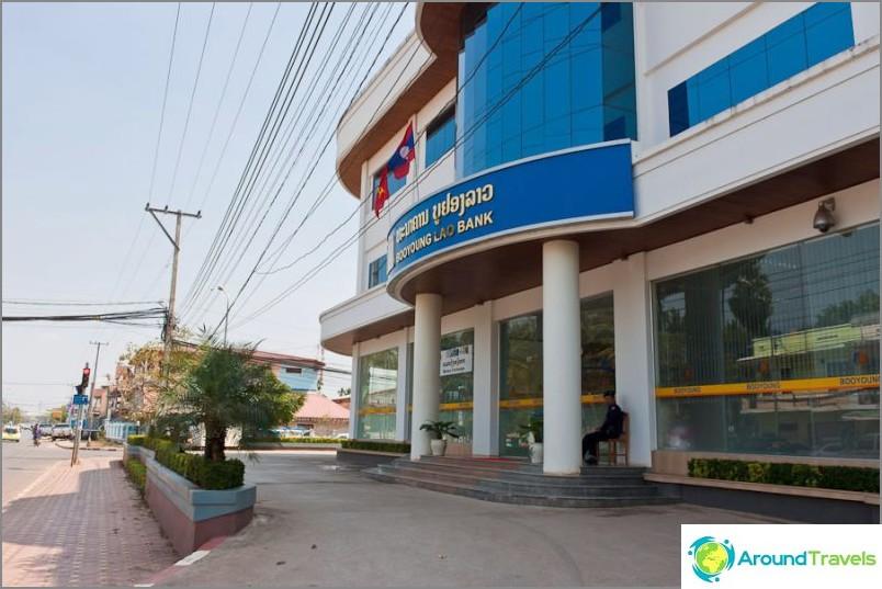 Pankki sinun on käännyttävä matkalle Thaimaan konsulaattiin