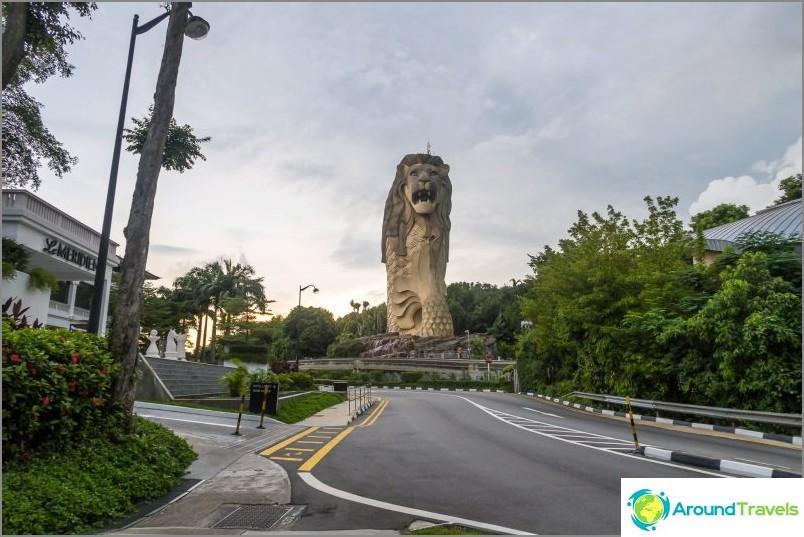 Singaporen symboli ja näköalatasanne - leijona kalahäntällä