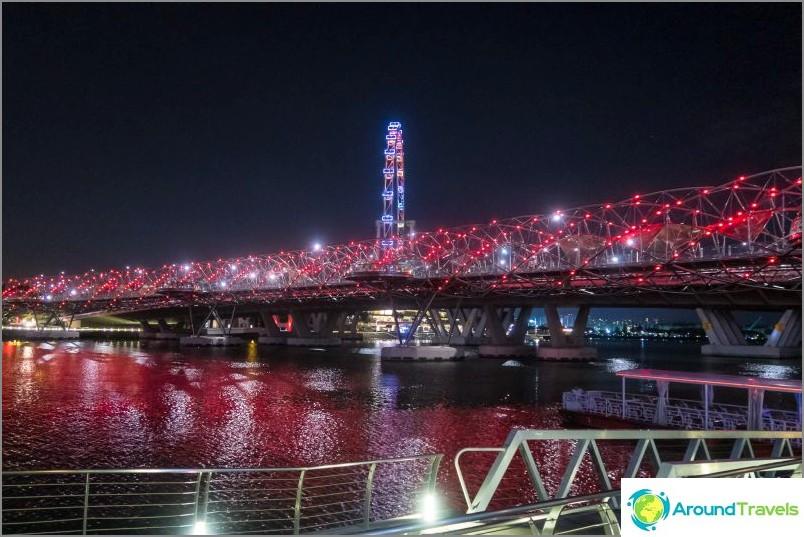 Helix-silta Singaporessa - DNA-molekyylinä
