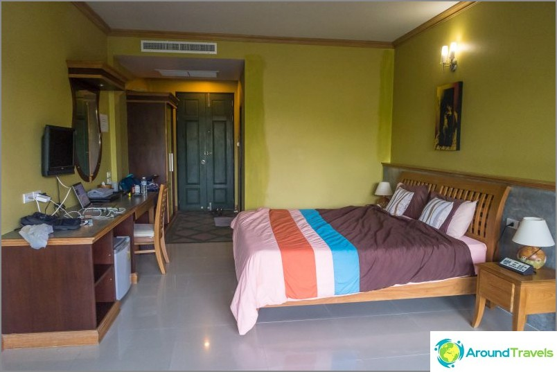Suosittu ja kuuluisa Koh Phangan -hotelli - Haad Son Resort