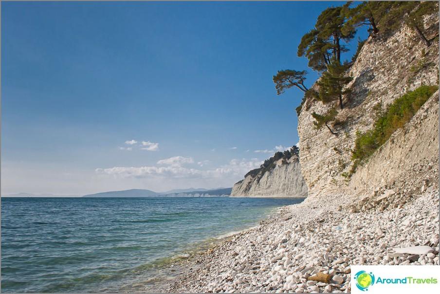 Kauniit villit rannat Mustallamerellä