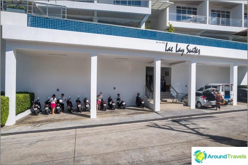 Kata Beach -hotelli - Lae Lay Suites
