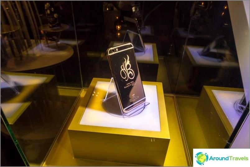 Ja myös kultainen iPhone