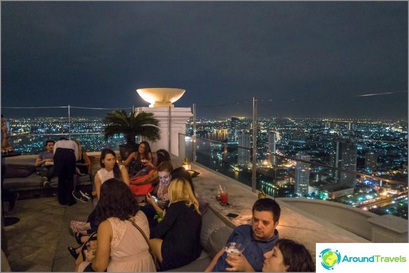 Kuuluisa Lebua-hotelli, jossa Hangover-elokuva kuvattiin - Bangkok