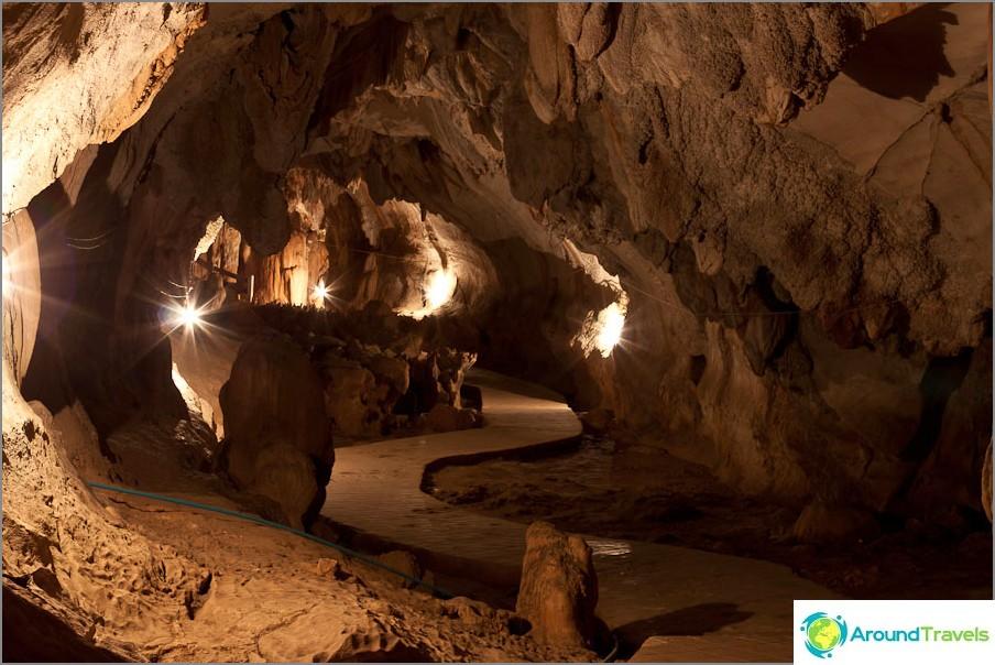 Tham Changin luola
