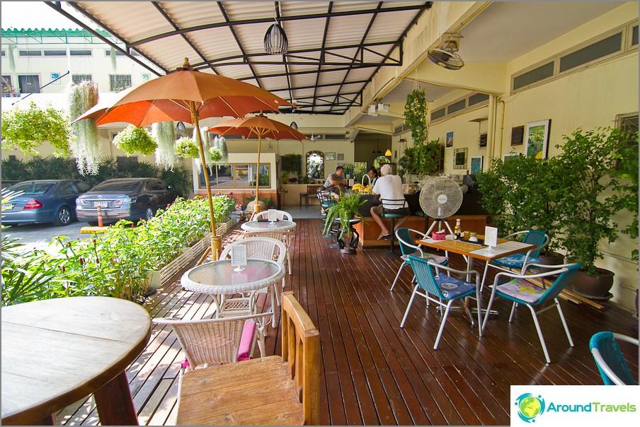 Kahvila Rajata-hotellissa