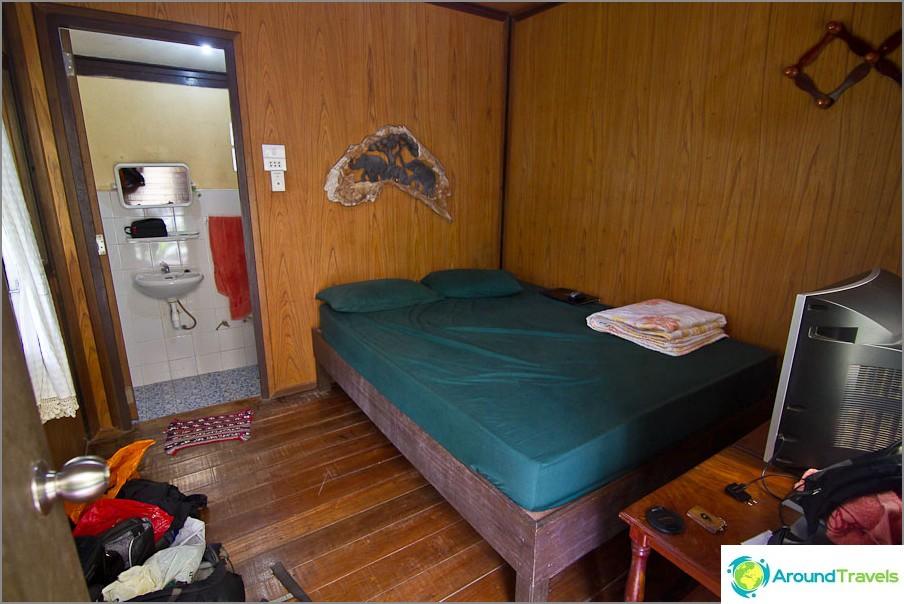 Budjetti bungalow Koh Changissa 300 bahtia