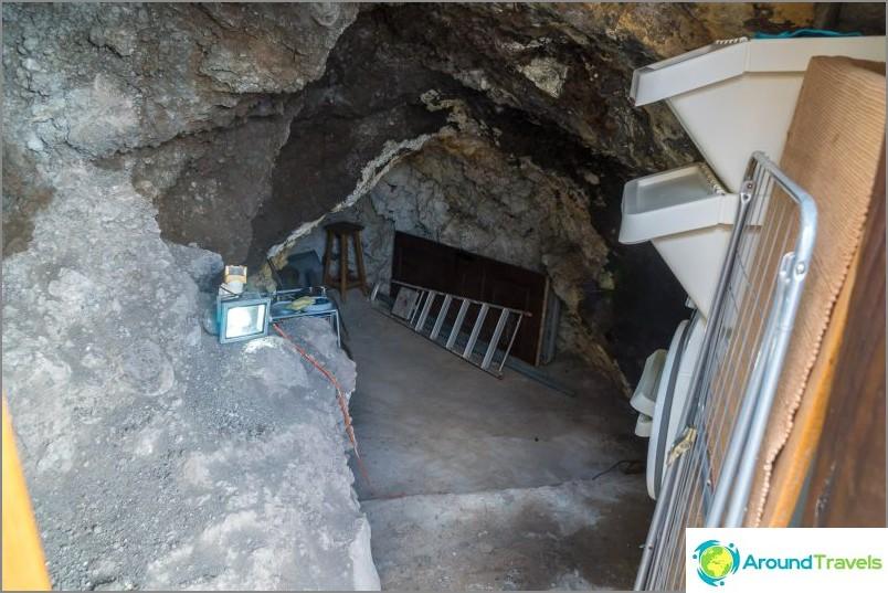 Erillisessä luolassa on pesukone