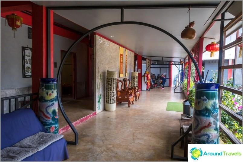 Paras hotelli Me Salongissa - Wang Put Tan Concrete Boutique