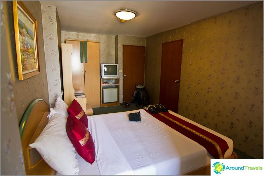 Halpa hotelli Bangkokissa lähellä Suvarnabhumin lentokenttää