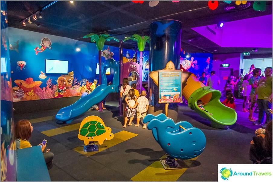 Lastenhuone valtameressä