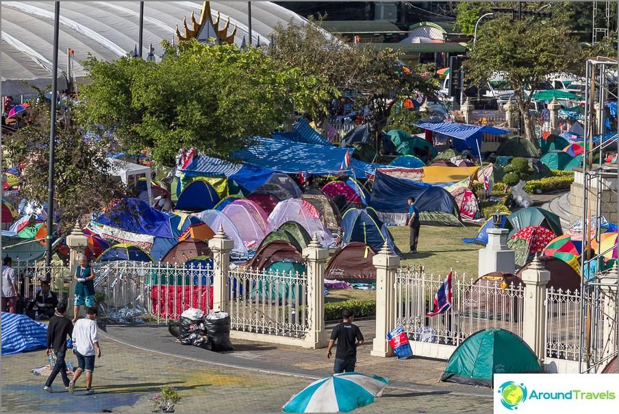 Campeggio al Monumento alla Vittoria