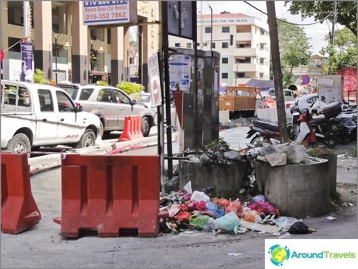 القمامة في شوارع كوالالمبور