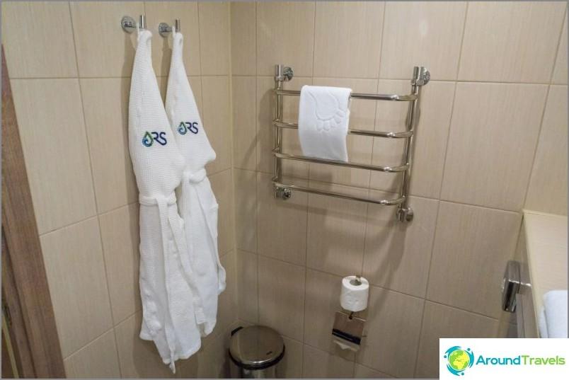 Arvosteluni Rosa Springs -hotellista Olympic Villagessa