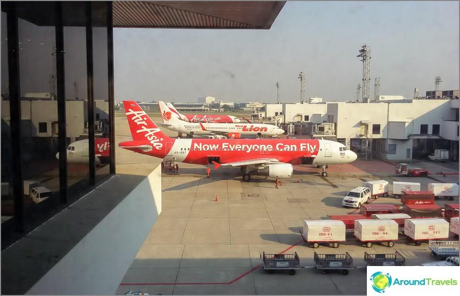 Aasian johtava halpalentoyhtiö - AirAsia