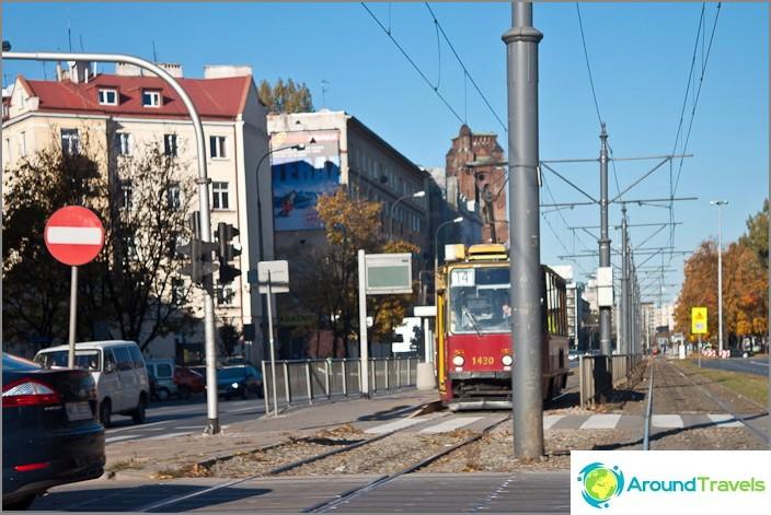Kaupungeissa Puola on hyvin kuin Venäjä. Jopa julkisilla liikennevälineillä