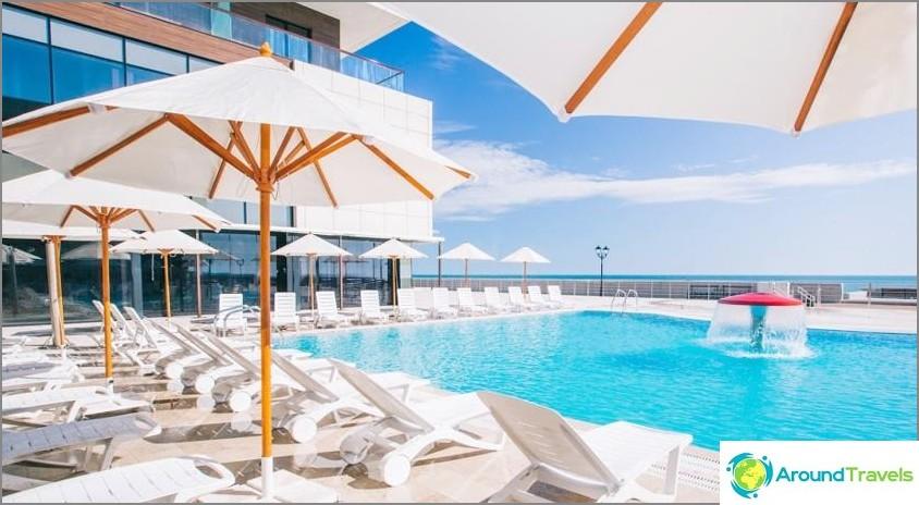 All Inclusive Adler hotellit, joissa on oma uimaranta