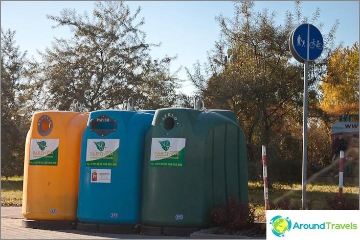 Euroopassa roskat jaetaan erityyppisiin materiaaleihin. Aloimme huomata tämän Puolasta lähtien.