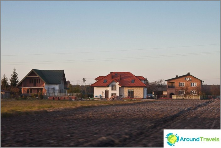 Puolan lähiöissä talot ovat yleensä hoidettuja ja siistit.