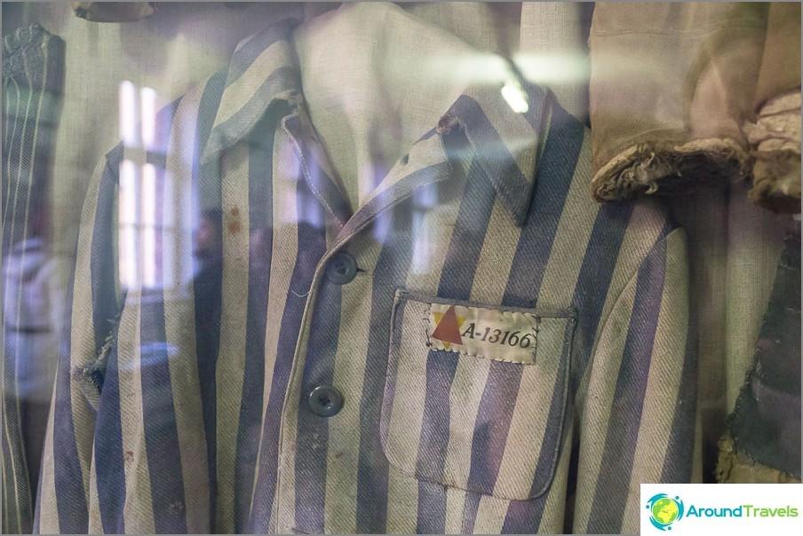 Vaatteet vankeille Auschwitzissa