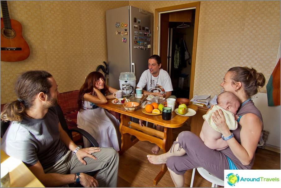Tapaaminen bloggaajien kanssa kotona