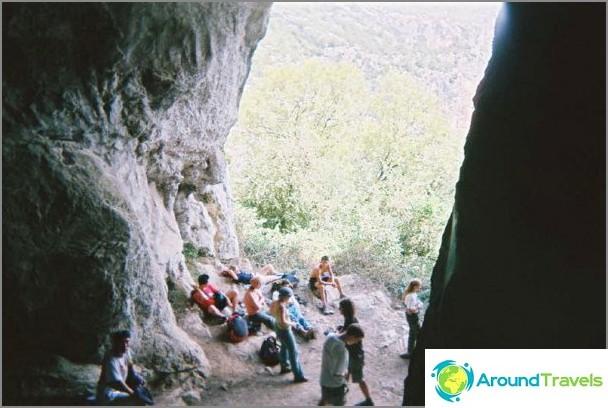 Vapaaehtoisten vapaa - vierailu luolassa.