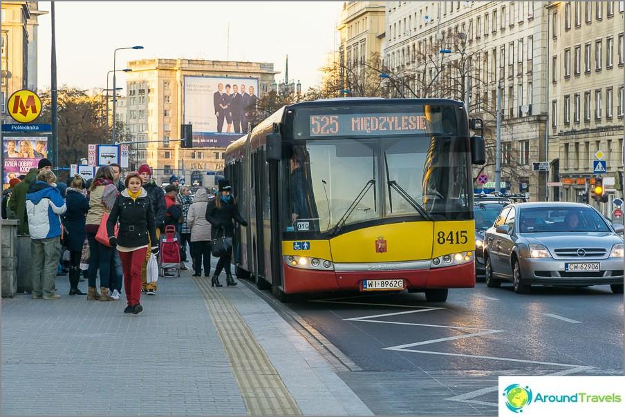 Bussit Varsovassa