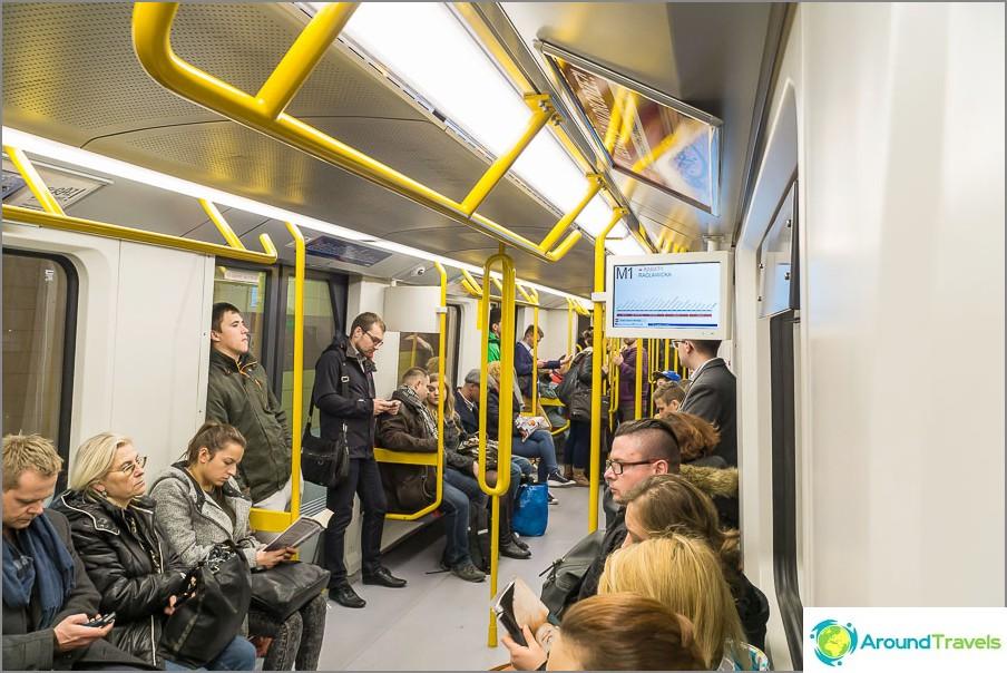 Metro Varsovassa