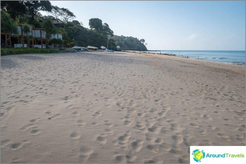Плажът Ba Kan Tiang Bay - място за тиха почивка в Ланта