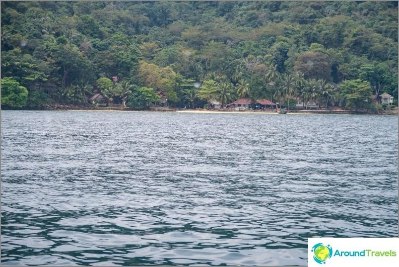 Laem Thongin ranta on kaukainen paratiisi Phi Phi Donin saarella