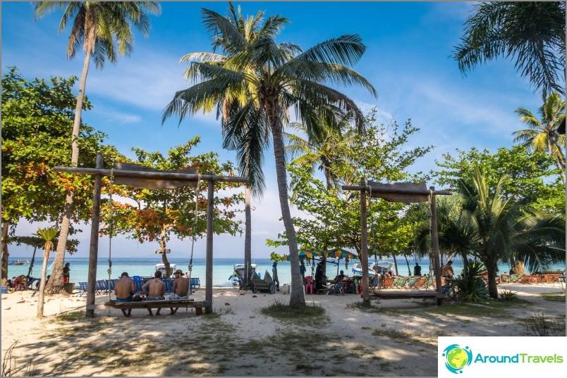 Lo Mo De Beach on Phi Phi Donin kaunein ranta