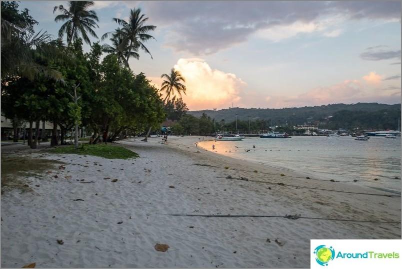 Ton Sai Beachin oikea puoli
