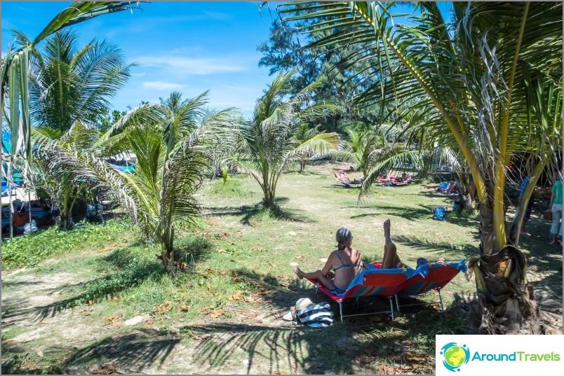 Karon Beach Phuketissa (Karon Beach) - melkein kuin Patong