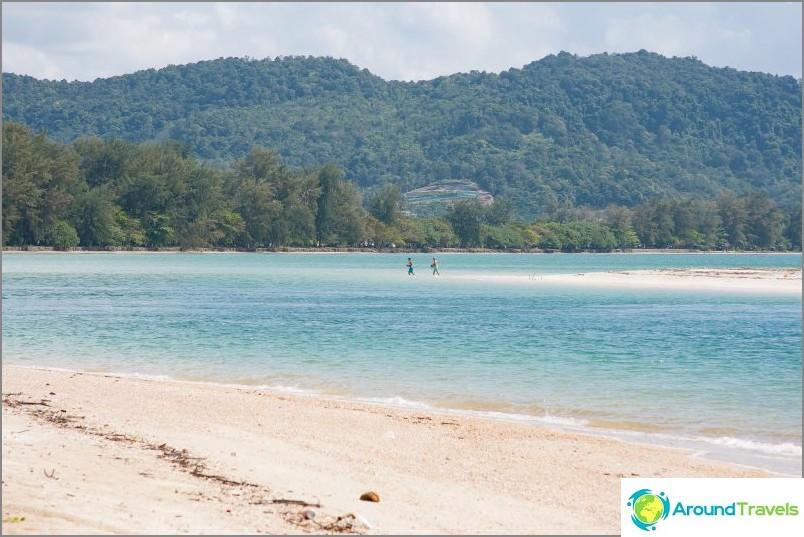 Panin ranta Krabissa - pitkä ja ehdottomasti villi