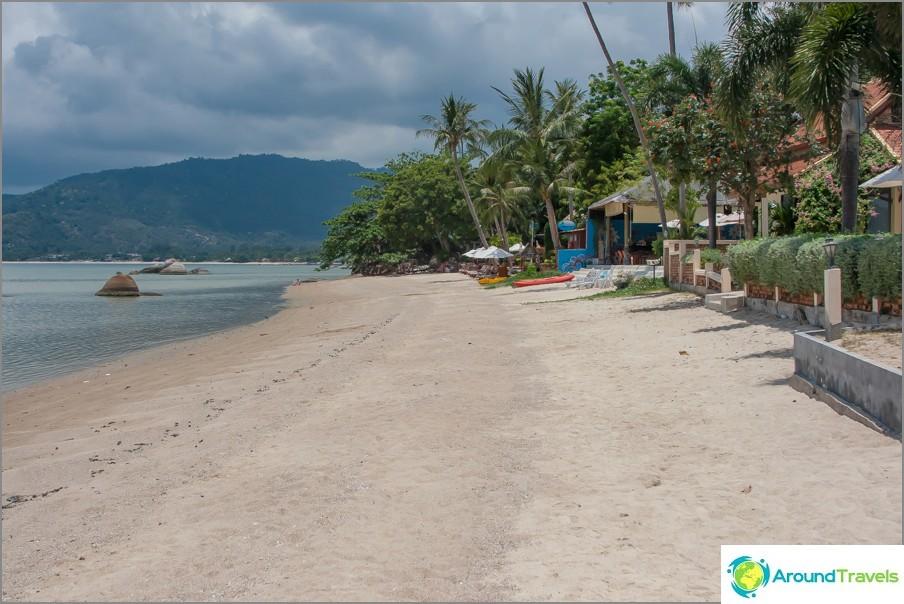 the-laem-nan-beach-laem-nan-beach-splash-pool-for-children-01