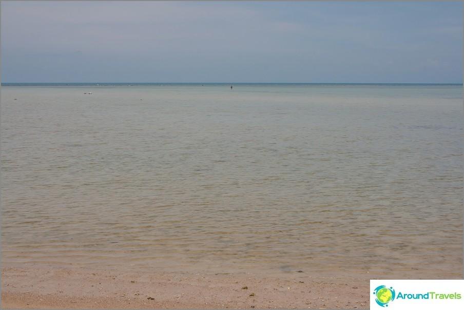the-laem-nan-beach-laem-nan-beach-splash-pool-for-children-09
