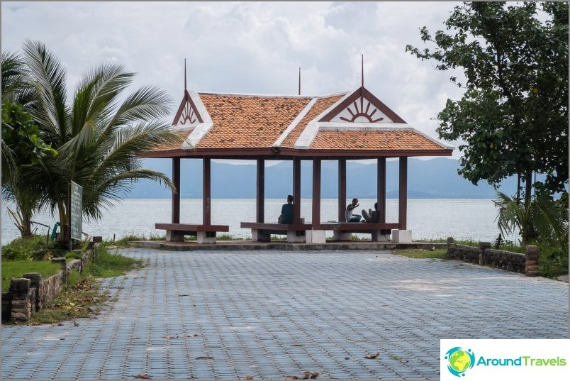 Thong Sala - satama ja suurin asunto Phanganilla