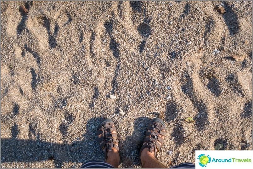 Пясък, меко казано, не е много.