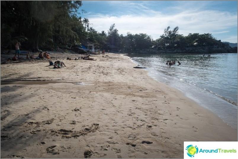 Näkymä rannan keskustasta vasemmalle
