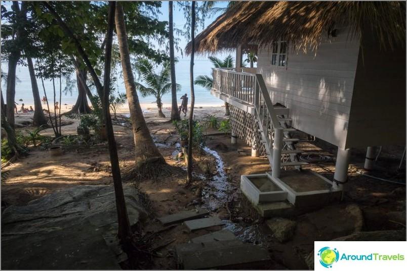 Poistu Haad Khomiin lähellä Ocean View Resortia