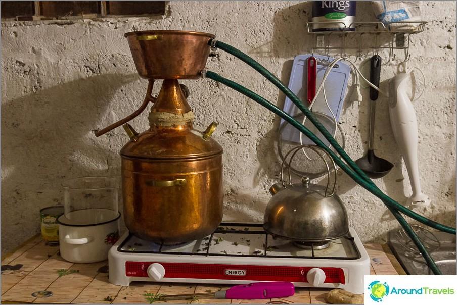 Понякога в кухнята имаме хидролат, миризмата е хладна
