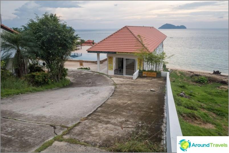 Достъп до море от Стъклен дом и курорт Баан Джайдей