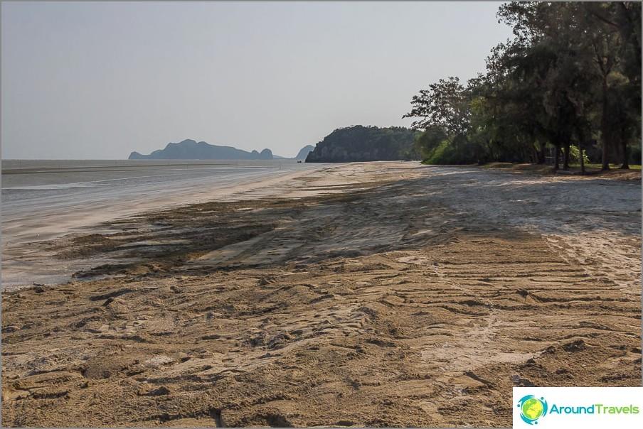the-beach-sé-praia-sam-Phraya-beach-03
