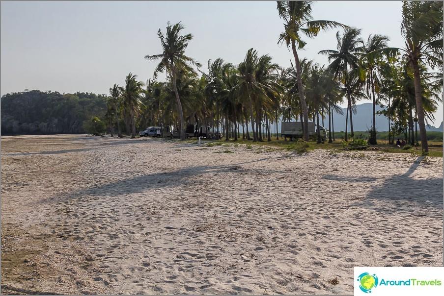 the-beach-sé-praia-sam-Phraya-beach-06