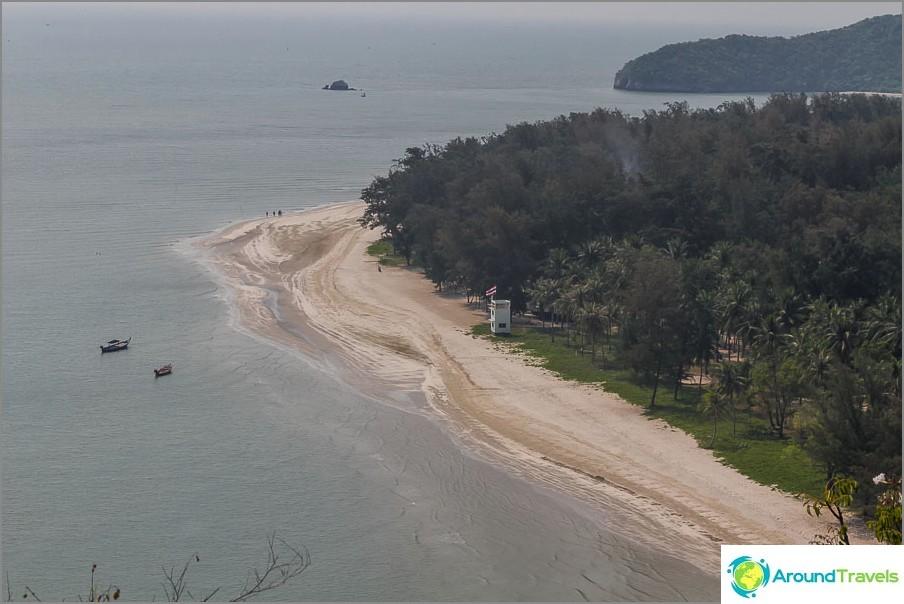 the-Laem-sala-beach-Laem-sala-beach-01