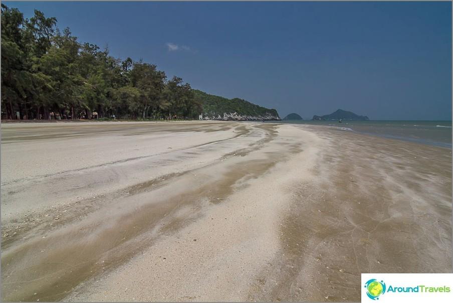 the-Laem-sala-beach-Laem-sala-beach-05