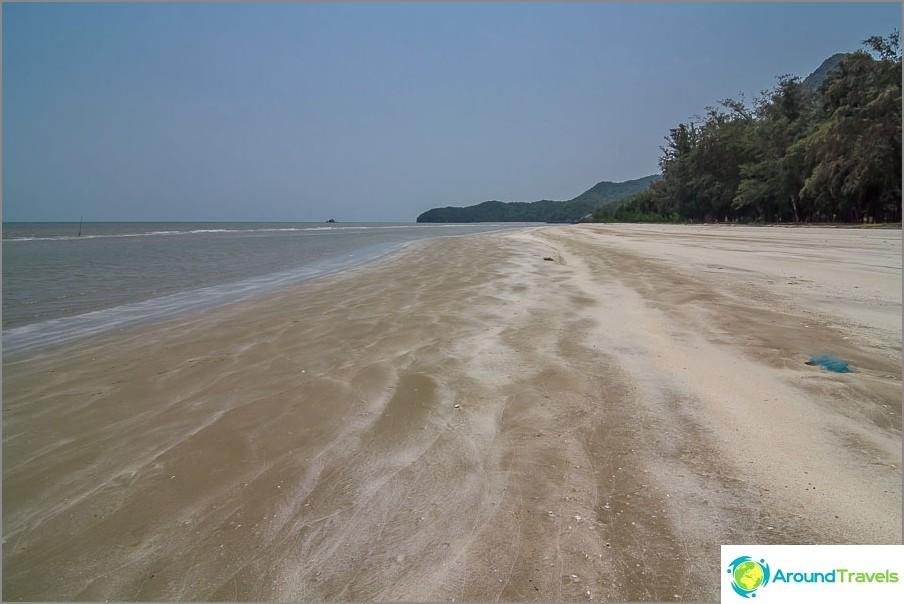 the-Laem-sala-beach-Laem-sala-beach-06
