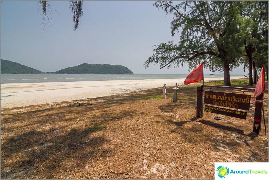 the-Laem-sala-beach-Laem-sala-beach-04