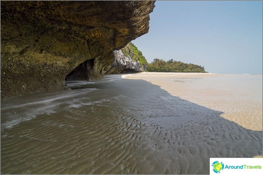 the-Laem-sala-beach-Laem-sala-beach-15